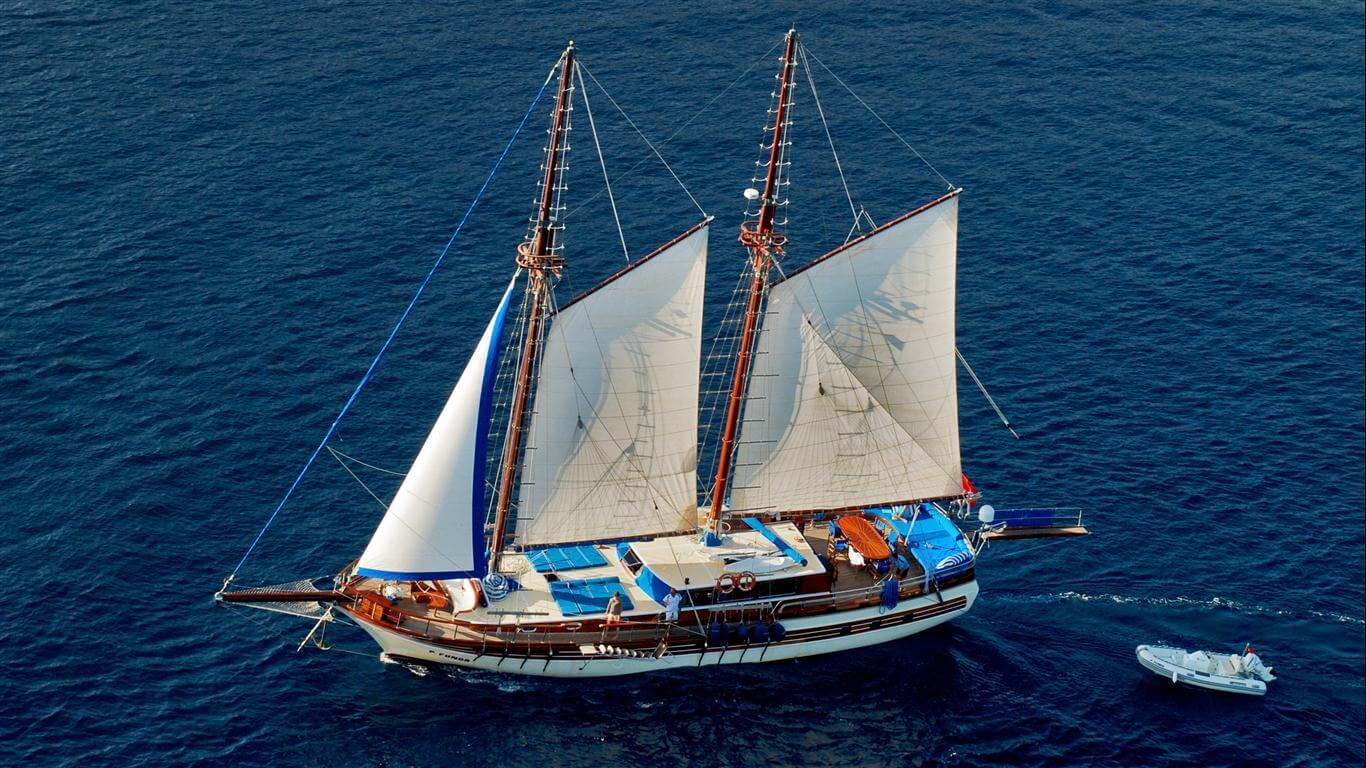 Luxury Princess Funda Yacht by sailing
