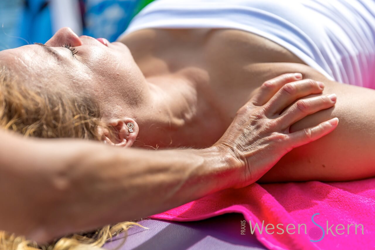 Polarity Therapy I Body and Soul Work by Beyhan Yücel Wechsler I Praxis Wesenskern